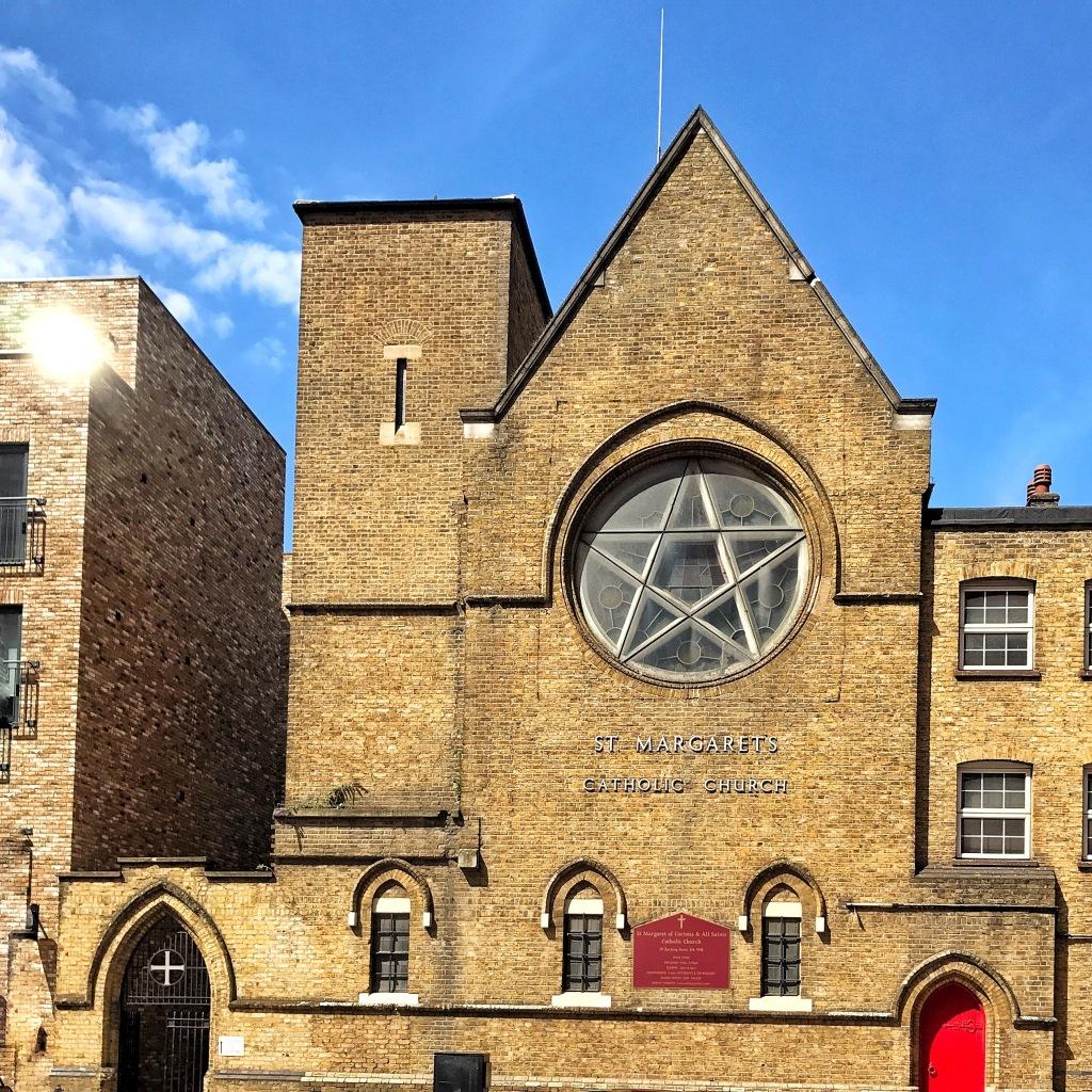 Saint Margaret and All Saints Catholic Church, em Canning Town.